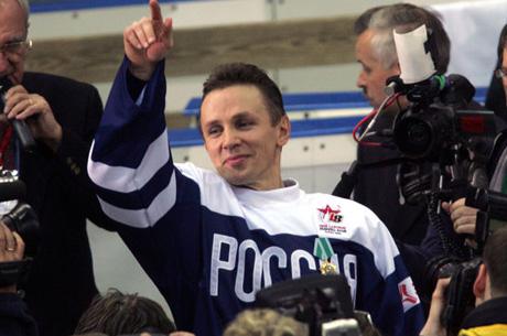igor-larionov-prikhodim-na-doping-kontrol-a-banka-uzhe-chem-to-zapolnena
